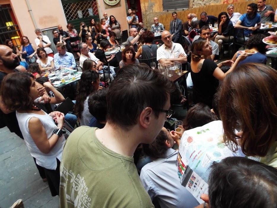 Scrivi, posta, fotografa! Volontari e protagonisti della Biennale della Prossimità